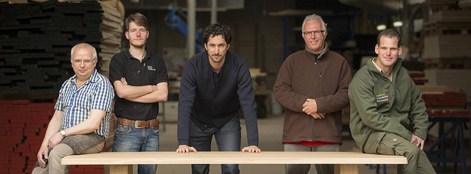 ein tisch ist ein tisch ist von arco architare. Black Bedroom Furniture Sets. Home Design Ideas