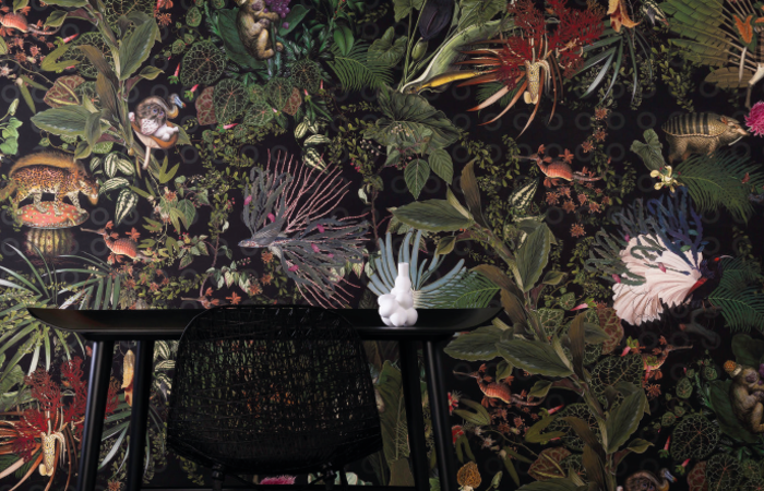 Menagerie of Extinct Animals Wallcovering: Moooi