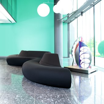 Circle by Walter Knoll